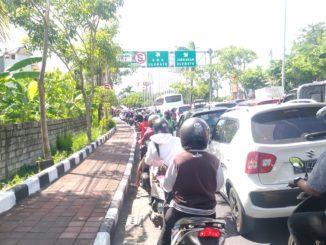Kemacetan di Simpang Jimbaran